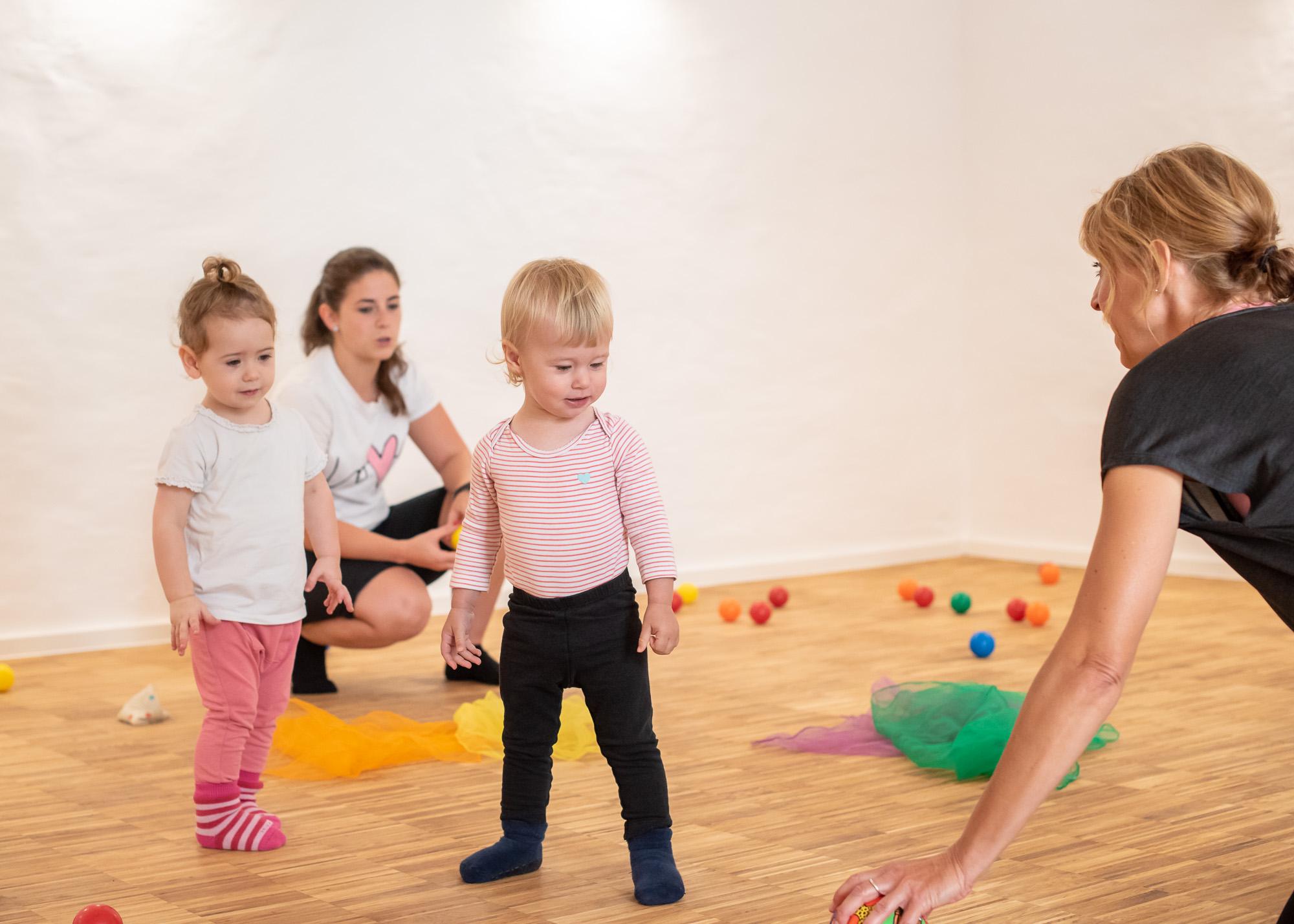 Babysport mit Ball